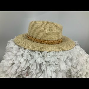 Columbia unisex straw hat with faux leather trim